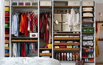 how-to-organize-clothes-in-a-closet